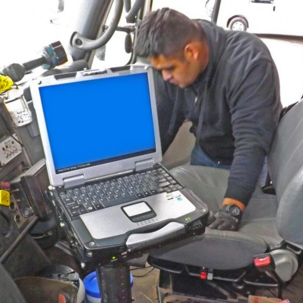Noe Rodriquez - Mobile Mounts Lead Installation Technician